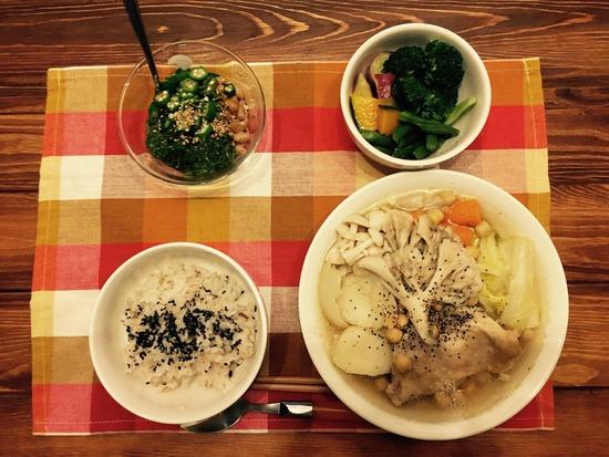 【画像】ワイが作ったキノコとトリのスープ定食にいくらまでだせる?