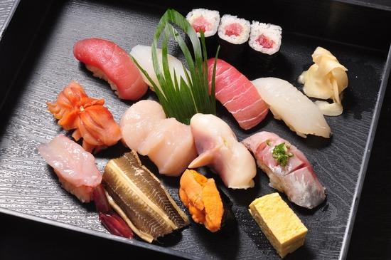 【画像】このお寿司2000円出せるか?