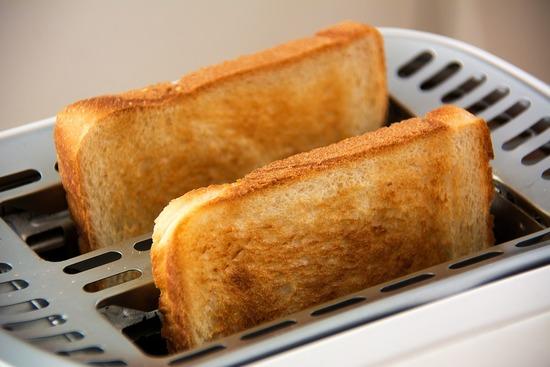 一人暮らしで朝飯食ってる社会人って何食ってんの?