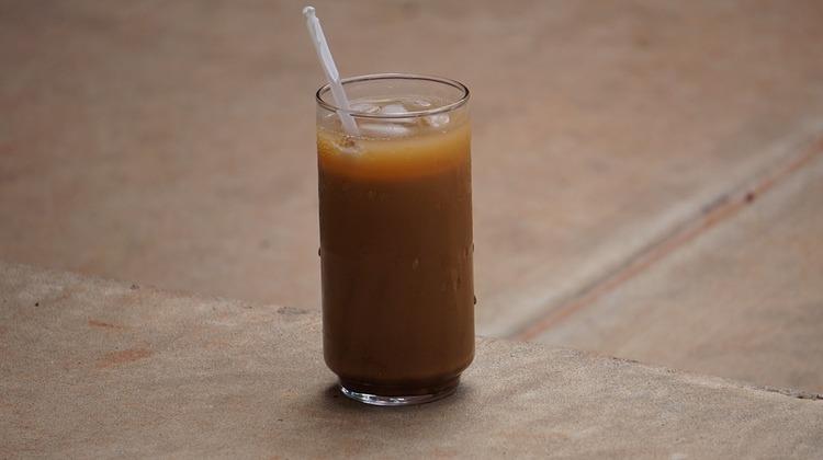朝からアイスコーヒー飲んでるやつwwwwwwwwwwwwwwwwwwwwwwww