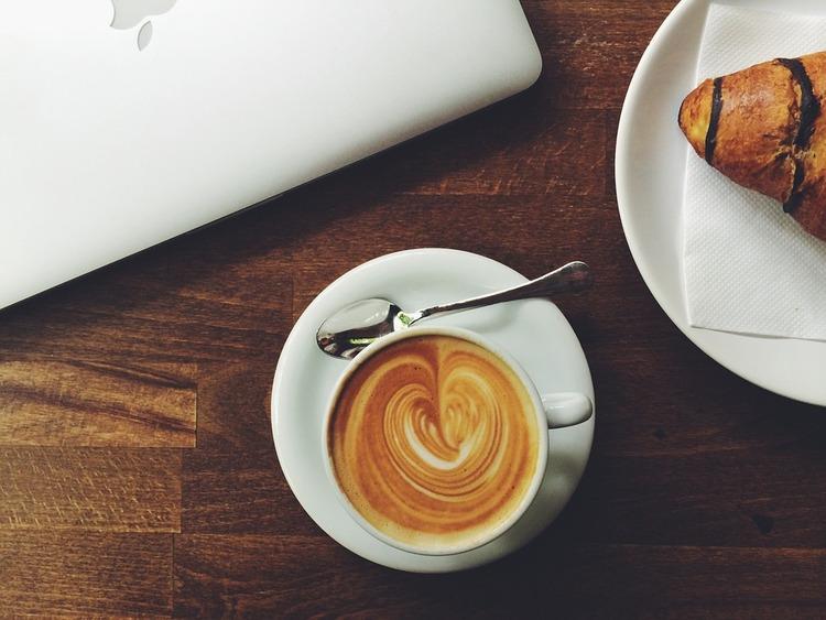 喫茶店でアルバイトしてるけど質問ある?