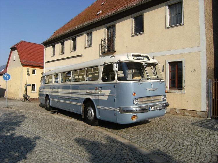 バス整備士だけど質問ある?