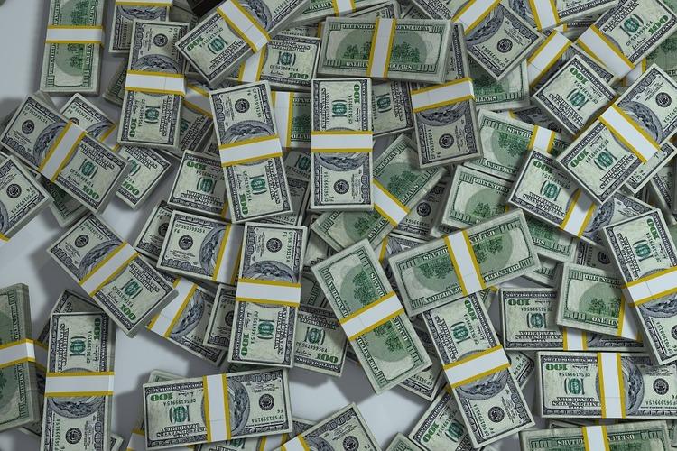 ワイ「いくら大金があっても働かない生活って退屈そう」ニート「!」シュバババ