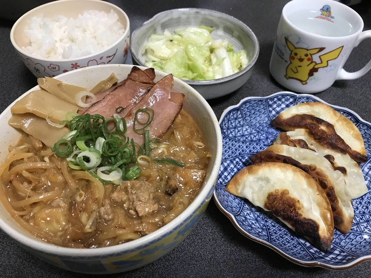 【画像あり】料理下手な俺がラーメンを作ったぞ!!!