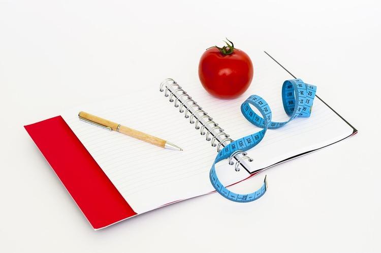 2ちゃんねらー「筋トレと糖質制限」知恵袋「規則正しい食生活」LineQ「おにぎりダイエット!」