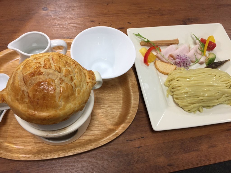 【画像】フレンチシェフが作る意識高い系つけ麺1600円wwwwwwwwwww