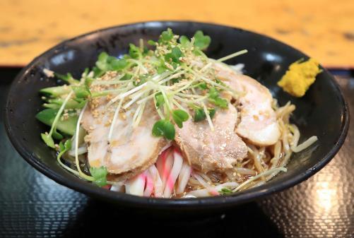【画像】藤井四段の昼飯、冷やし中華にチャーシュー2枚追加!