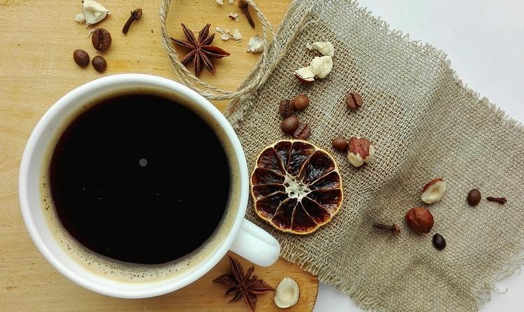 ブラックコーヒー飲めないやつwwwwwwww