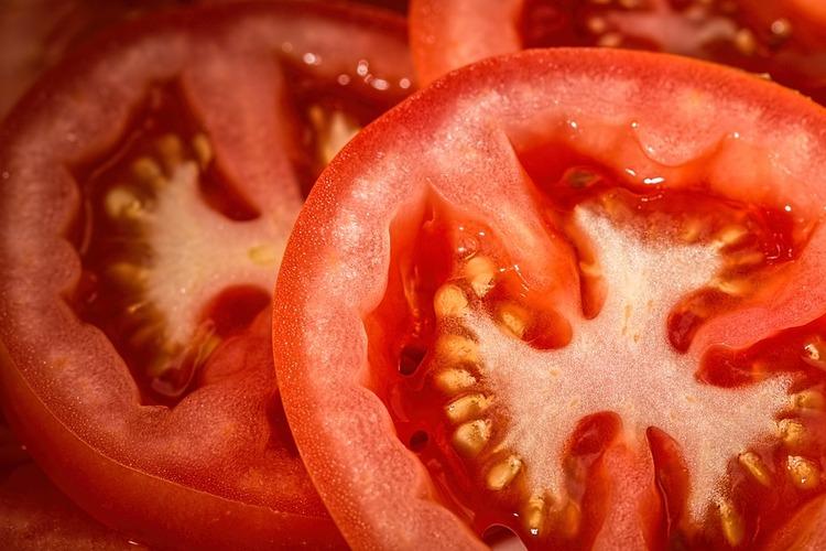 【朗報】トマトに砂糖かけて食うのうますぎワロタwww