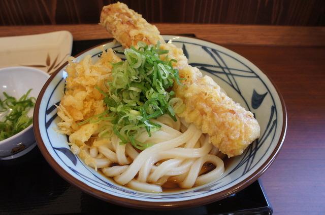 丸亀製麺とかいううどん屋の皮を被った天ぷら屋www