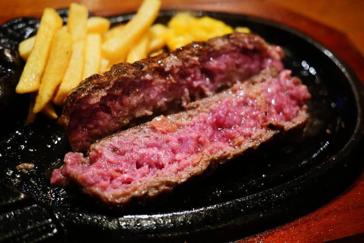 【朗報】ハンバーグは塩で食べると激しく美味しいことが判明