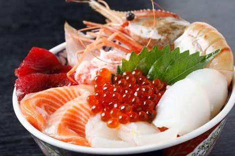 日本人「この料理美味いな.....せや!ご飯にのっけたろ!」