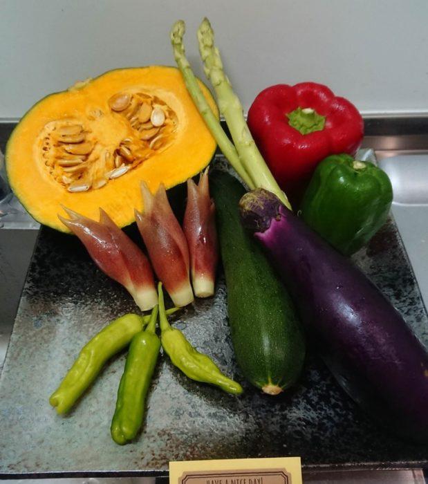 【画像】夏野菜を使って料理作るよ