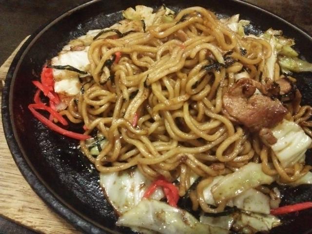 松本人志さん「焼きそばに野菜入れる意味が分からん。あんなもんいらんのや!!」