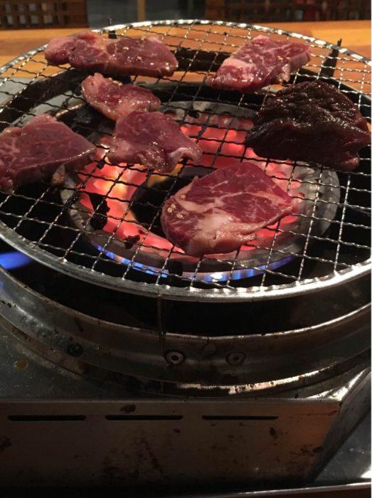 【画像あり】ワイニート、人生初の1人焼肉
