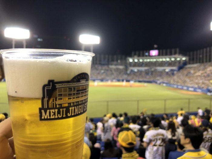 野球場で飲み食いする飯・酒wwwwwwwwww