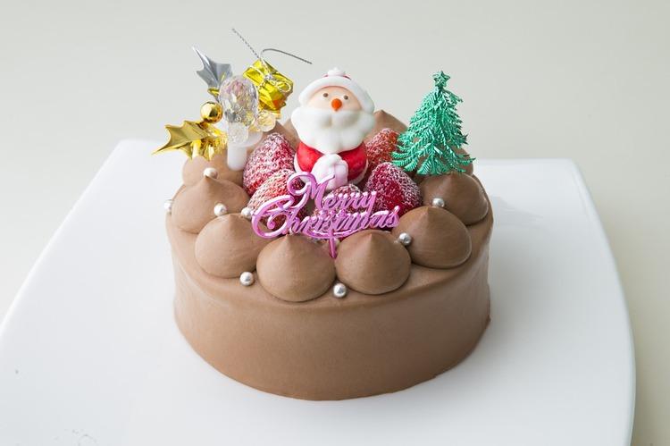 【悲報】27歳ワイ、マッマにクリスマスケーキはチョコにするか聞かれる