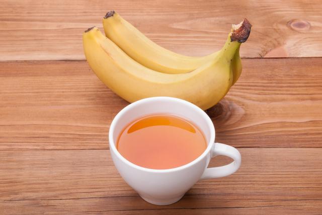 セロトニン(幸せホルモン)を増やすには 「バナナ+牛乳」を食いまくれ!