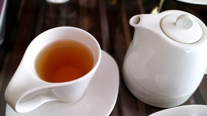 「薬はお茶で飲んではいけない」は本当か