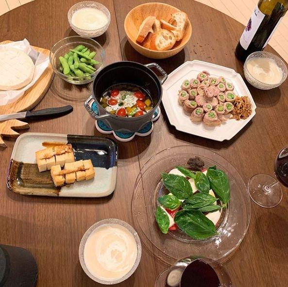 """【こじるり】小島瑠璃子cの""""意外な料理の腕前""""に驚嘆! 「誰と食べるんだ?」との声も"""