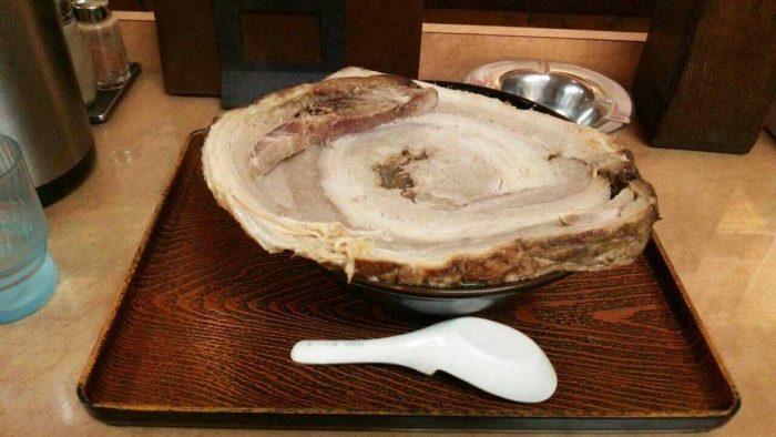 【画像有】ジャンボチャーシュー麺(1650円)をご覧ください