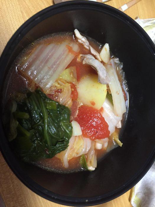 【画像】ワイ将、夏なのに鍋を作ってしまうwwwwww