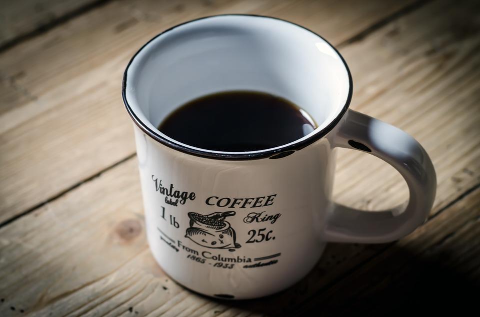 【朗報】ワイ、コーヒーに金平糖を入れて飲む手法を考案してしまう