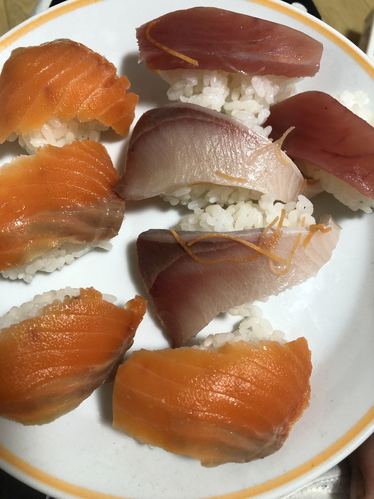 【画像】僕ニート。ママが昨日買ってきた刺し身で寿司を作るwwwwwwwwwwwwww
