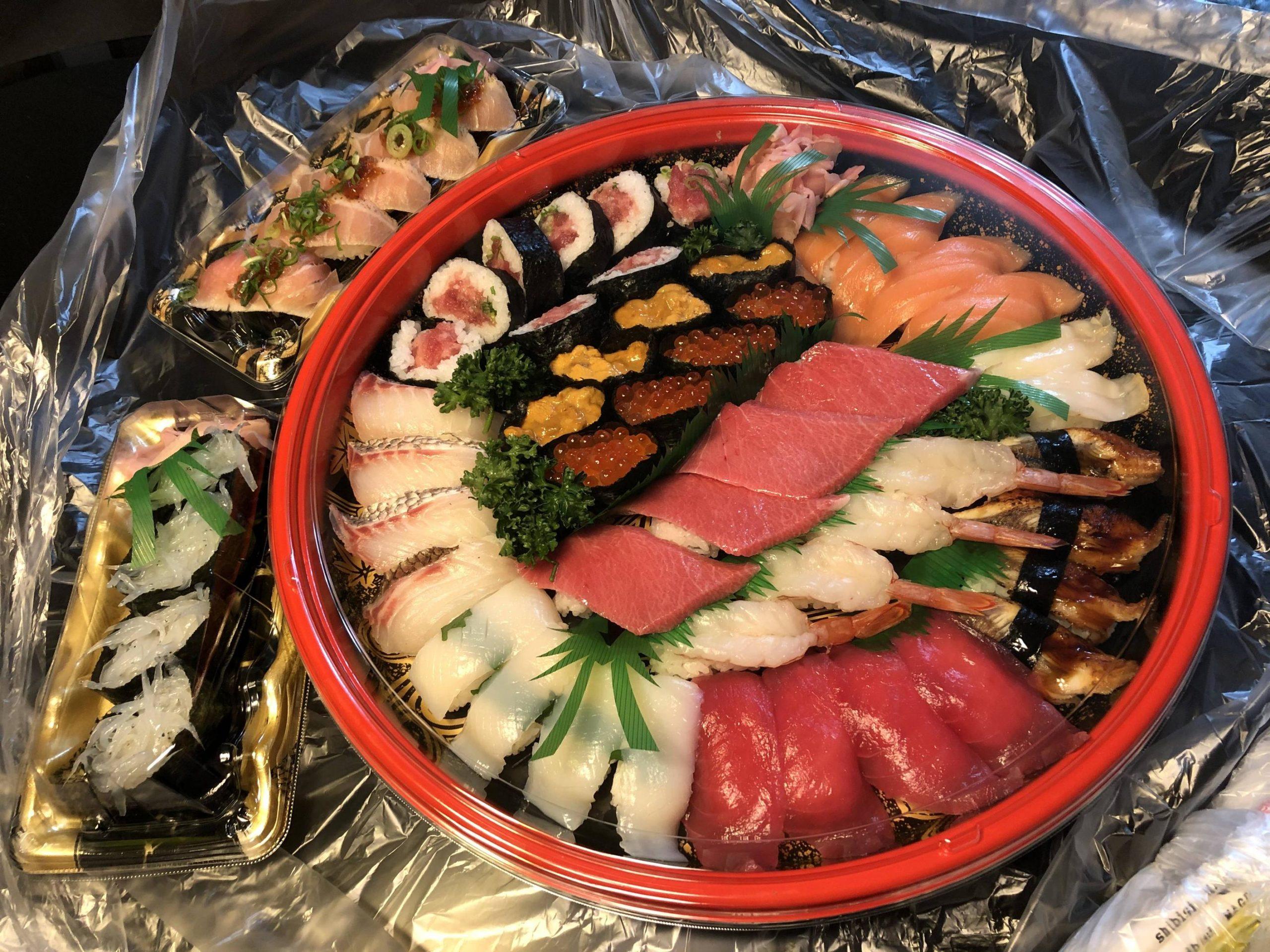 出前館で1万円分の寿司届いたで