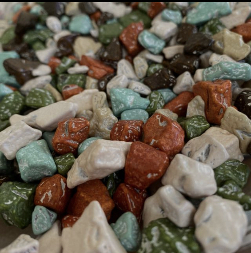 【画像】この石ころって食べられるんやで