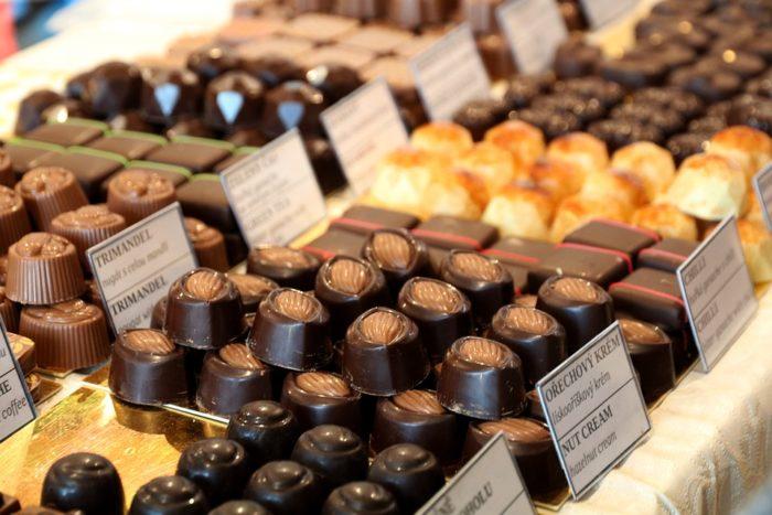 お菓子が美味しい国ってどこ?