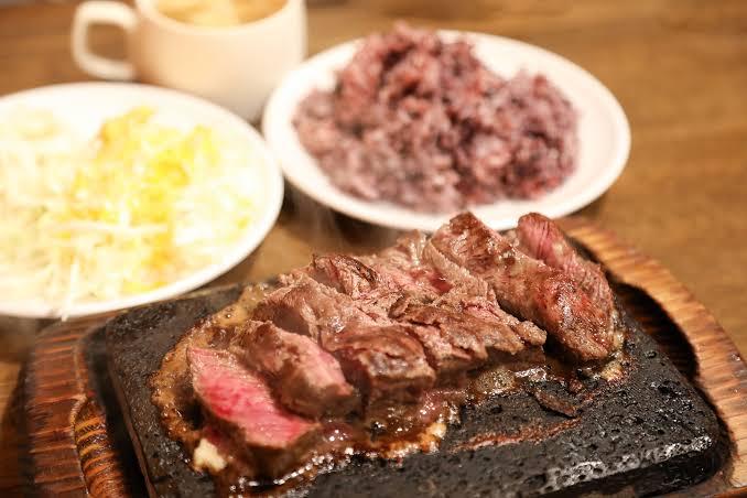 沖縄のステーキ店「やっぱりステーキ」がめちゃくちゃ人気になる