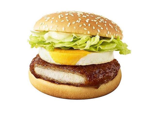 マクドナルド「とんかつ!!てりたま」初のカツを使用した新作バーガー