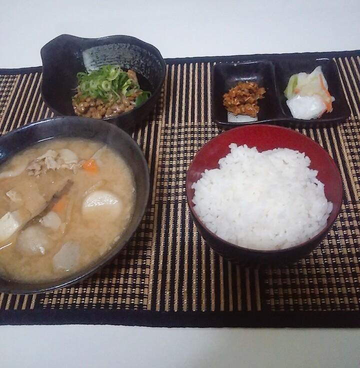 【画像】ワイの作ったとん汁定食(250円)