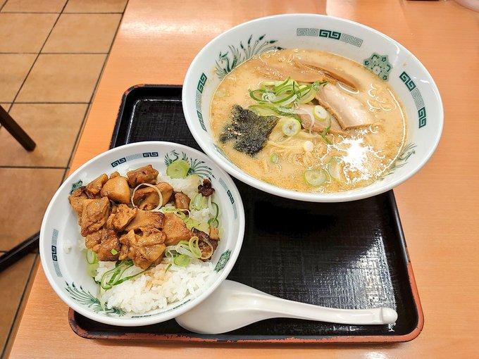 日高屋「焼き鳥丼にとんこつラーメンのスープをかけるとうまい」