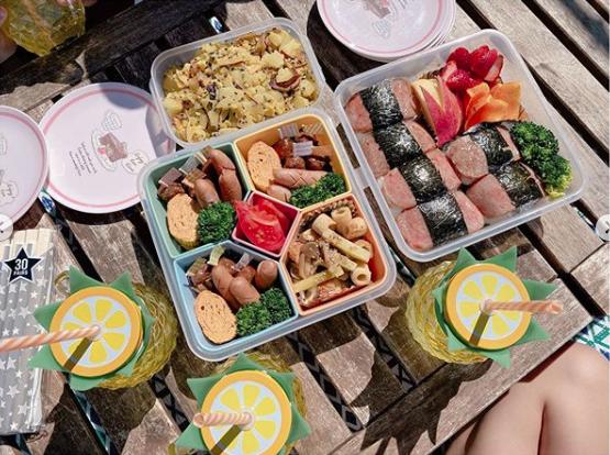 """辻希美さん、お弁当作って""""家ピクニック"""" 杉浦太陽「ベランピング!!オススメです」"""