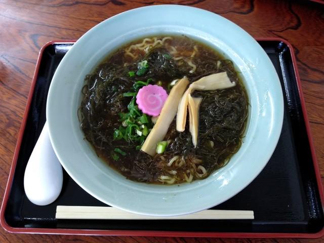 【画像】日本最北端の食堂の「もずくラーメン(1200円)」wwwxwwwxwww