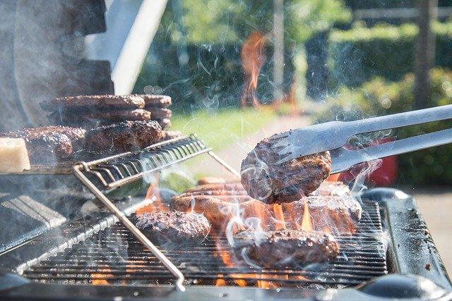 アメリカ料理→ハンバーガー、BBQ、ステーキ、ホットドッグ、マカロニチーズ