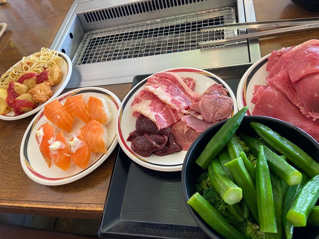 【画像】ワイぼっち一人で寿司と焼肉食べ放題に来た