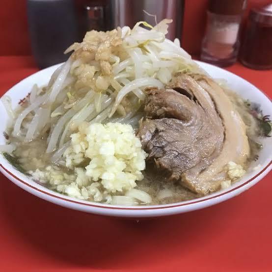【画像】ラーメン二郎で実際に皆が食べてるラーメンwwywwtwwywwewwtww