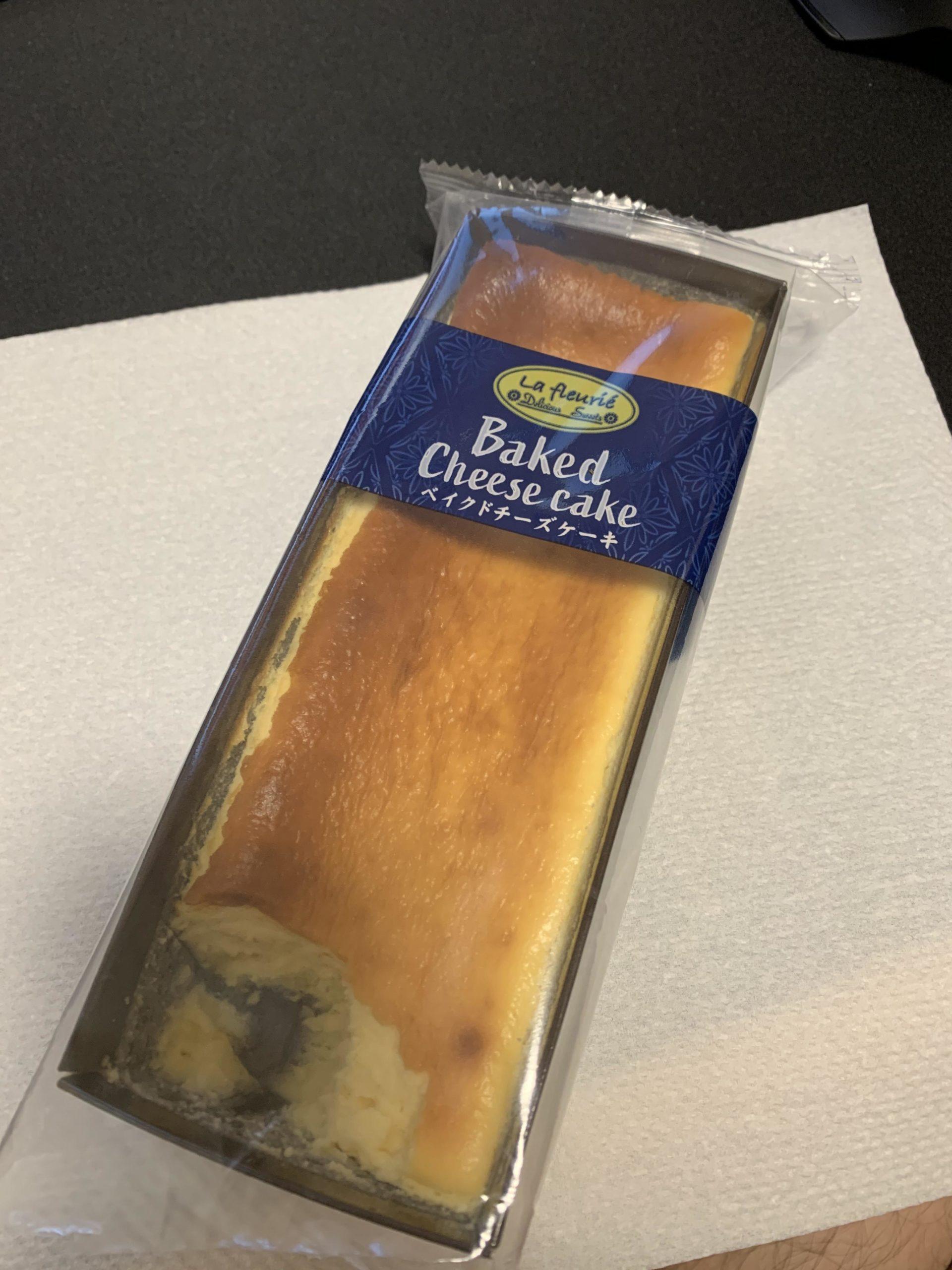 【画像】このくそでかチーズケーキ美味いで