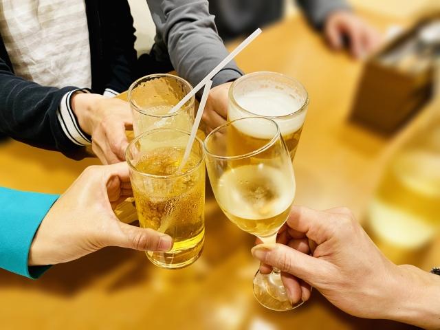 飲食店を支援する「Go To イート」9月中に開始へ 食事券発行、宅配対象外