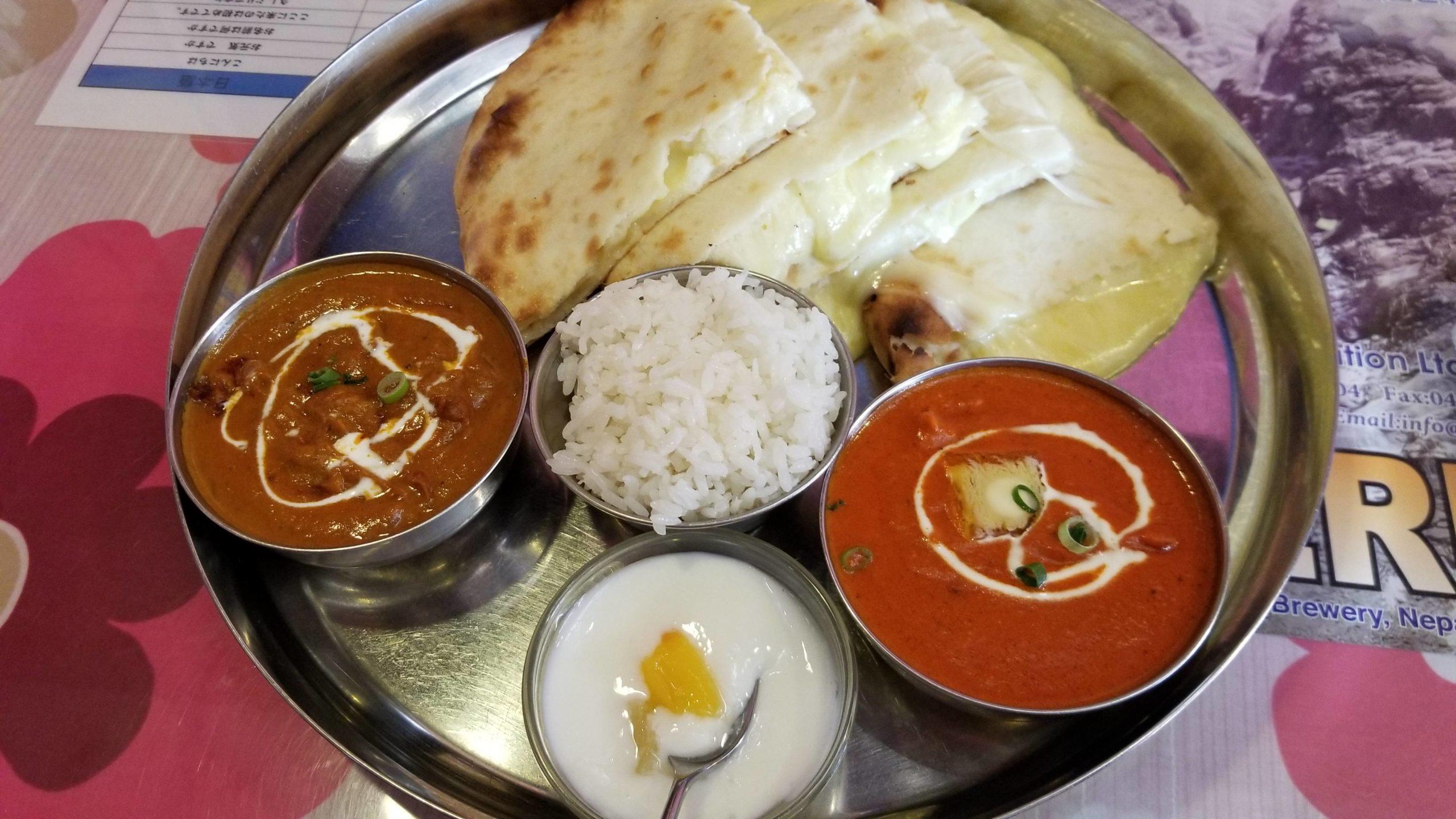 昼に食べたインド(ネパール)カレー屋のチーズナンセットwwwwwww