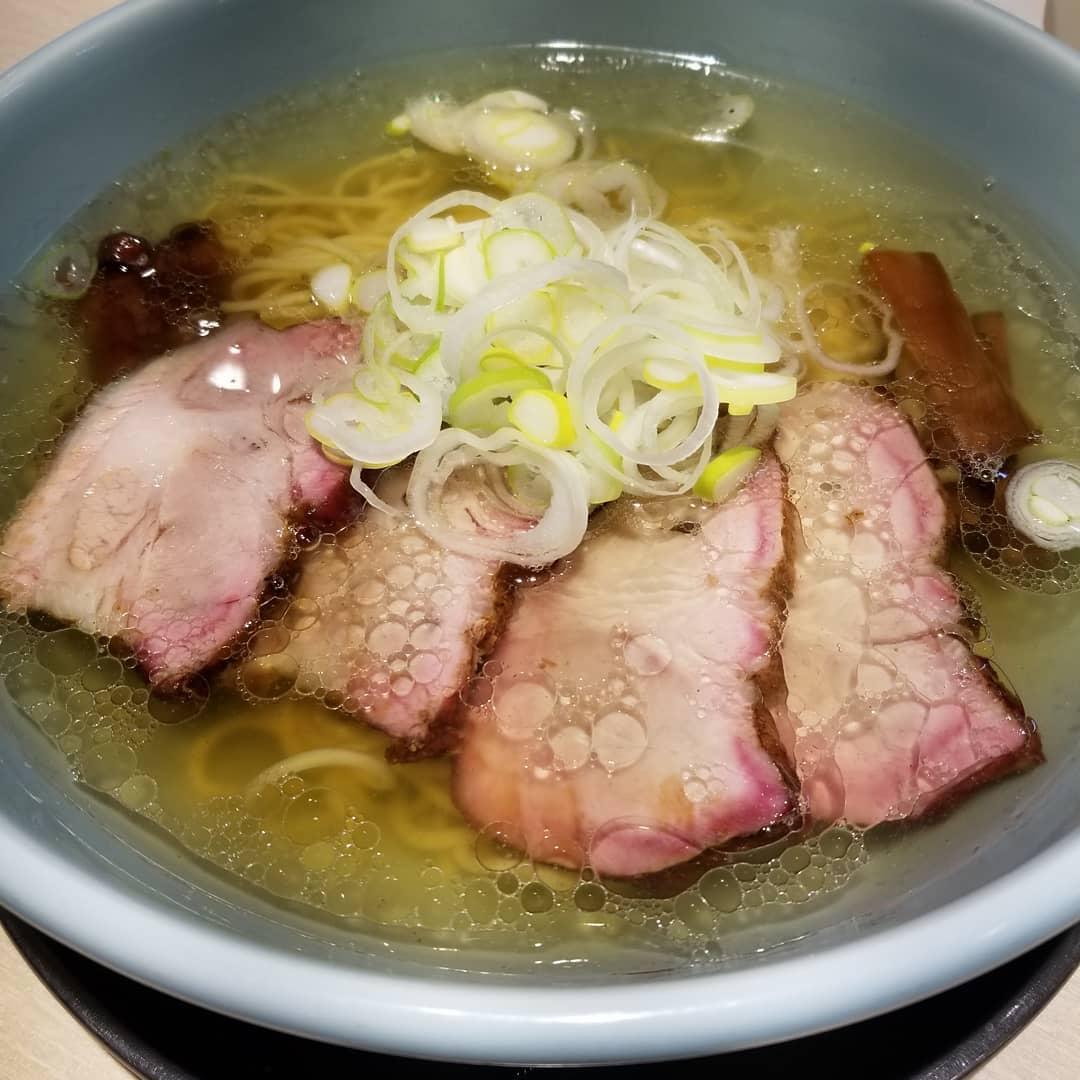 【画像】ワイの近所にできたラーメン屋さん、チャーシュー麺が1,250円もしてしまう