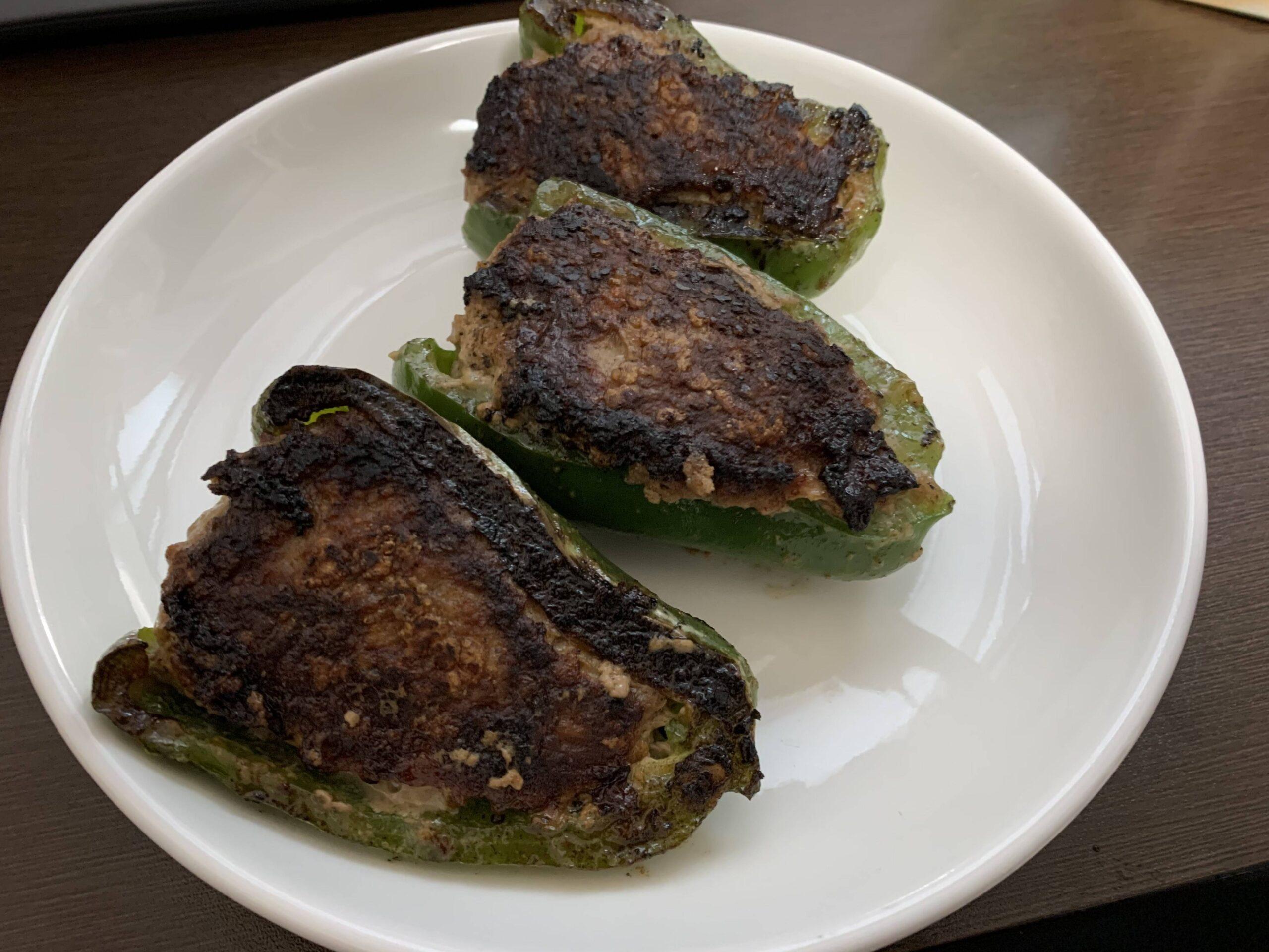 【画像】ピーマンの肉詰め作った!見て見て!