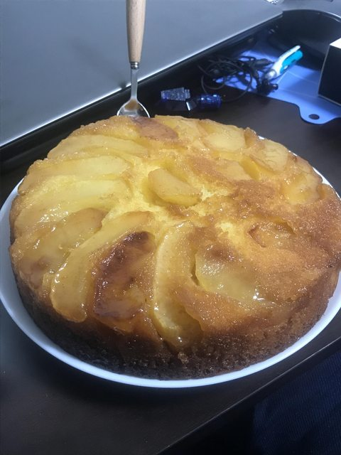 【画像】りんごのケーキ作ったったwwwwwwwwwwwwwwwww