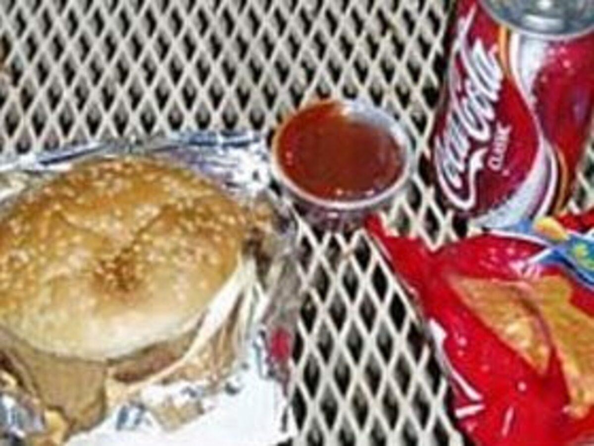 【画像】マイナーリーガーの食事・・・