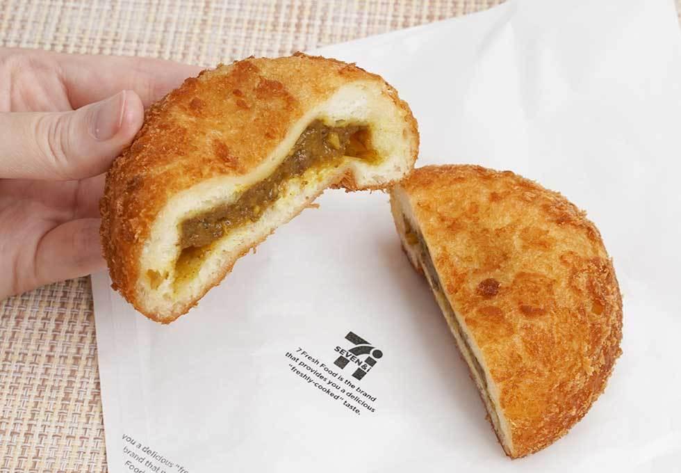 【朗報】セブンイレブンのレジ横のカレーパンが売り上げ絶好調!