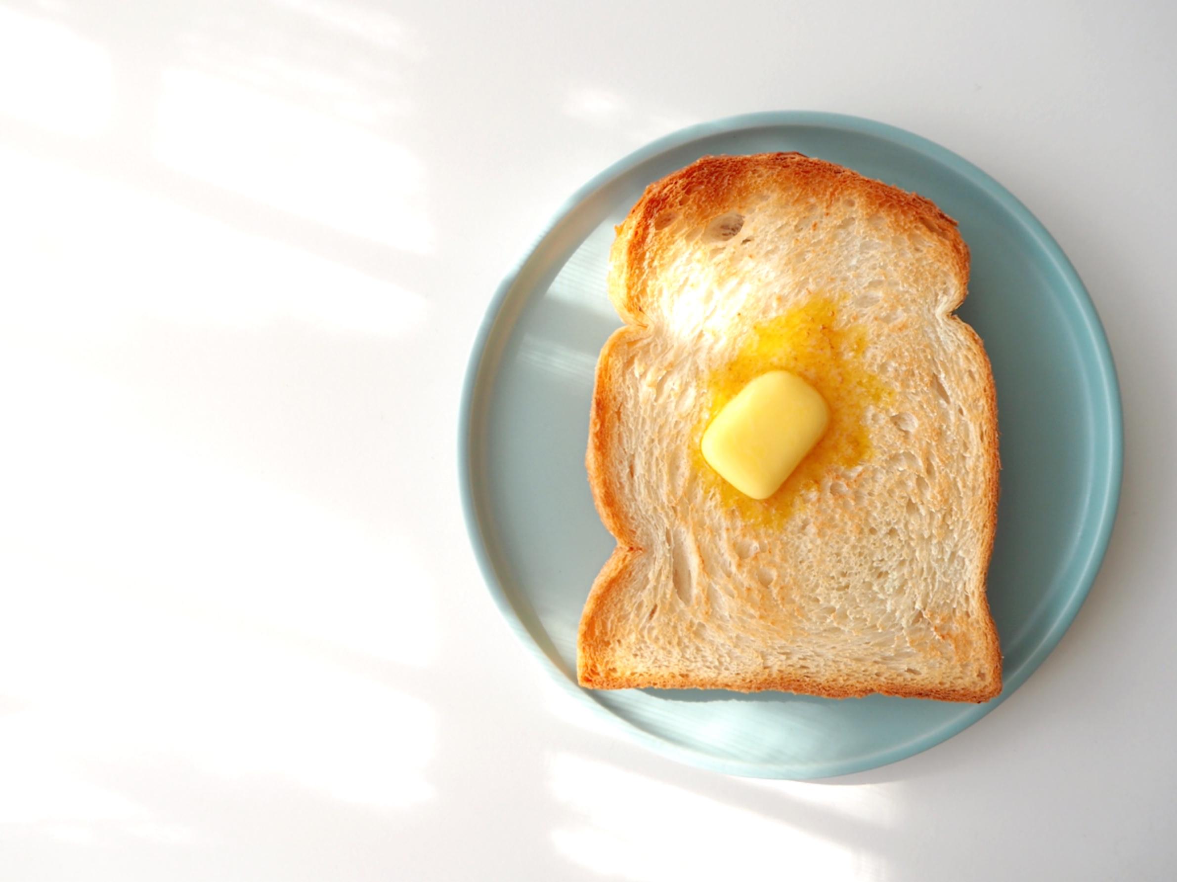 学者「朝ゴハンは食べた方がいいぞ→いや朝ゴハンは抜いとけ→朝ゴハンやっぱ体にええわ」