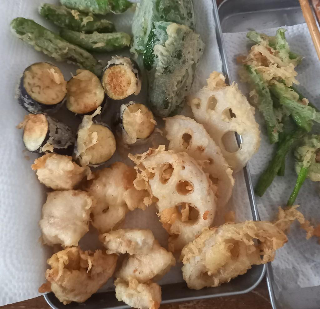 【画像】天ぷら作ったらすごい量になったからお前ら来て